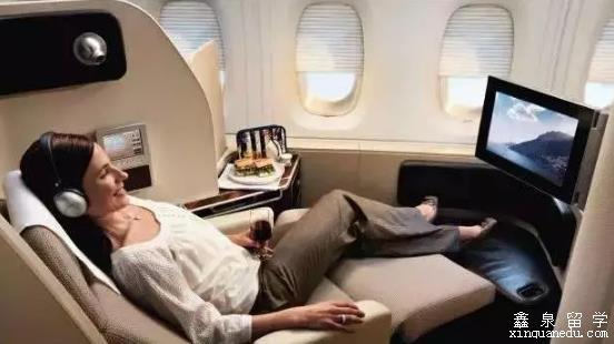 飞机安全通道位置